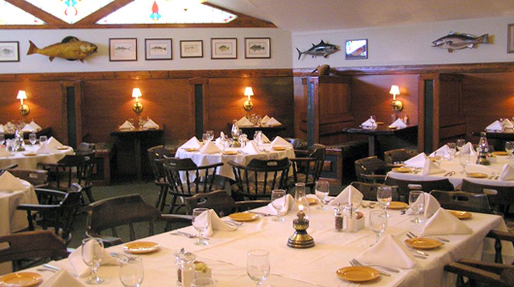 Outer Banks restaurants - Kellys Restaurant and Tavern