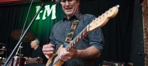 Outer Banks live music - Bonzer Shack - Dr. Tom