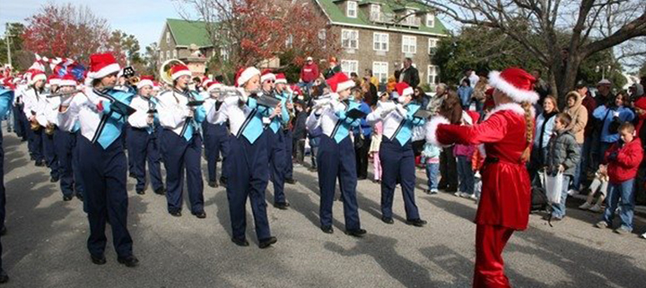Outer Banks events - Manteo Christmas parade