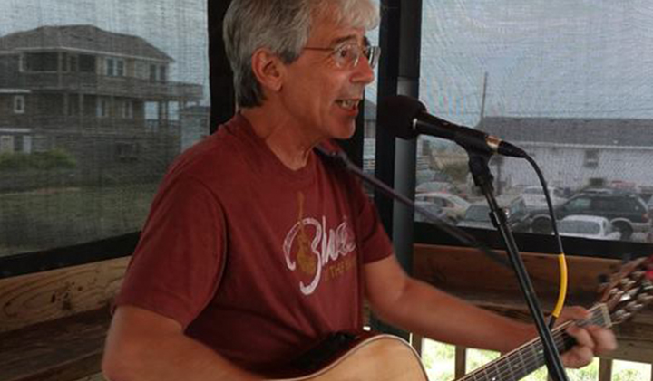 Outer Banks live music - Steve Hauser - Hurricane Mo's - Kitty Hawk